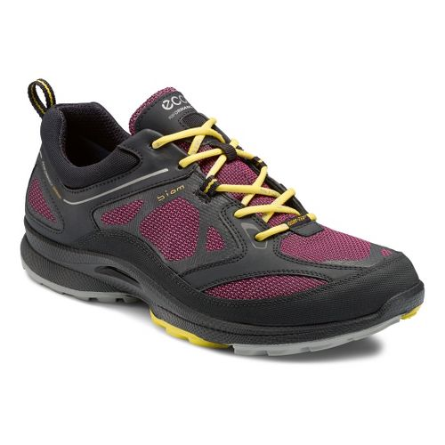Womens Ecco USA Biom Ultra Quest GTX Trail Running Shoe - Black/Fuchsia 37