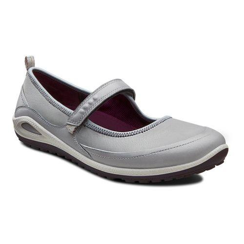 Womens Ecco USA Biom Grip Lite MJ Casual Shoe - Silver Grey/Burgundy 37
