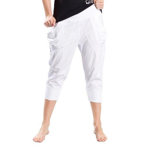 Womens Lole Lotus Capri Pants - White XS