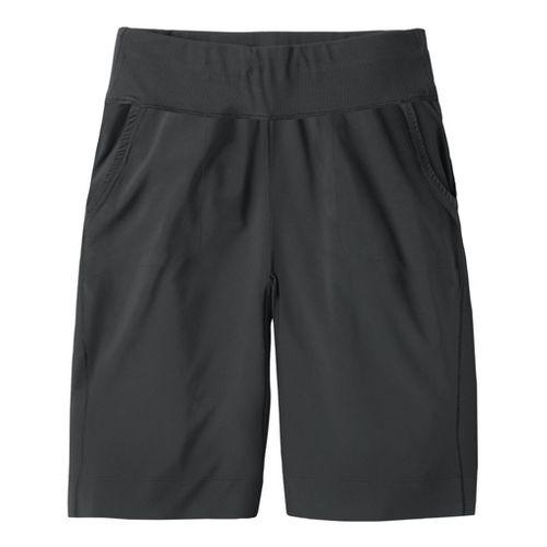 Womens Moving Comfort Metro Bermuda Unlined Shorts - Black M