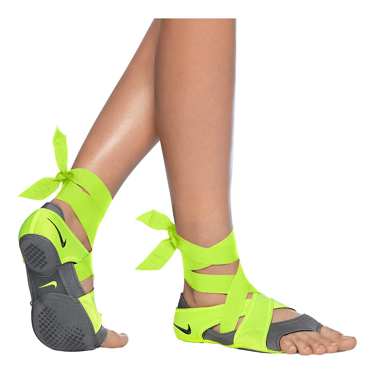 Women's Nike�Studio Pack