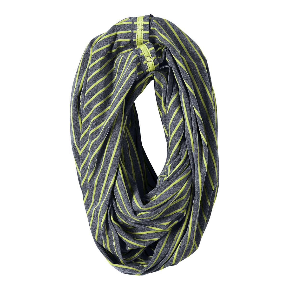 Women's R-Gear�Between The Lines Scarf