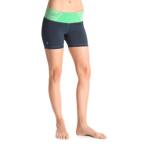Womens Tasc Performance Hot Stuff Lined Shorts - Gunmetal/Sprout Streak XS