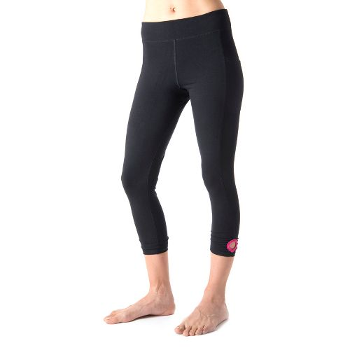Womens Tasc Performance Dynamite Crop Capri Tights - Black/Fruit Punch M