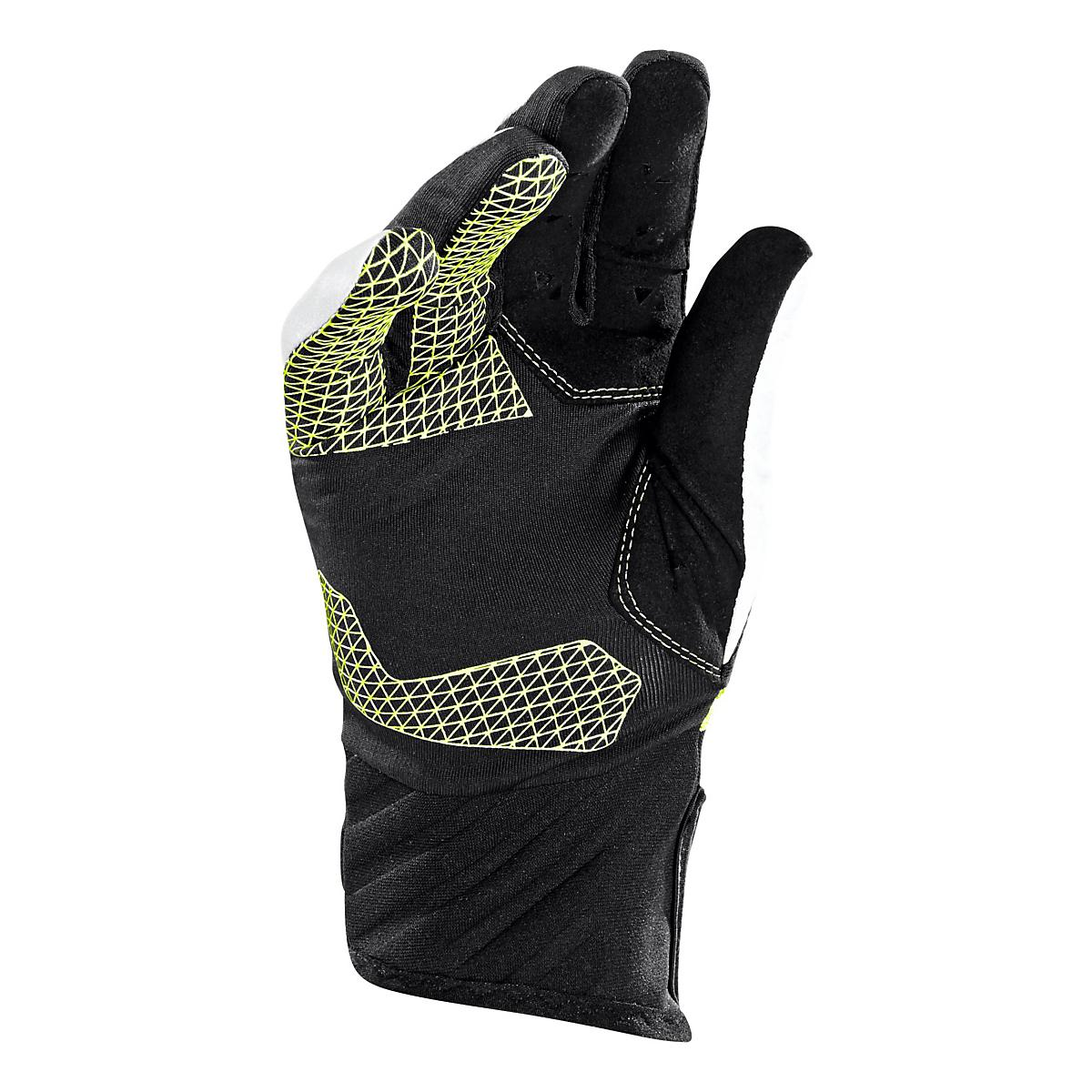 Under Armour�ColdGear Infrared Charge Reflective Gove