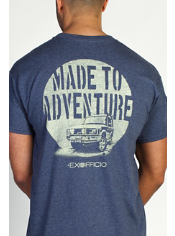 Go for a drive in this cotton graphic tee.