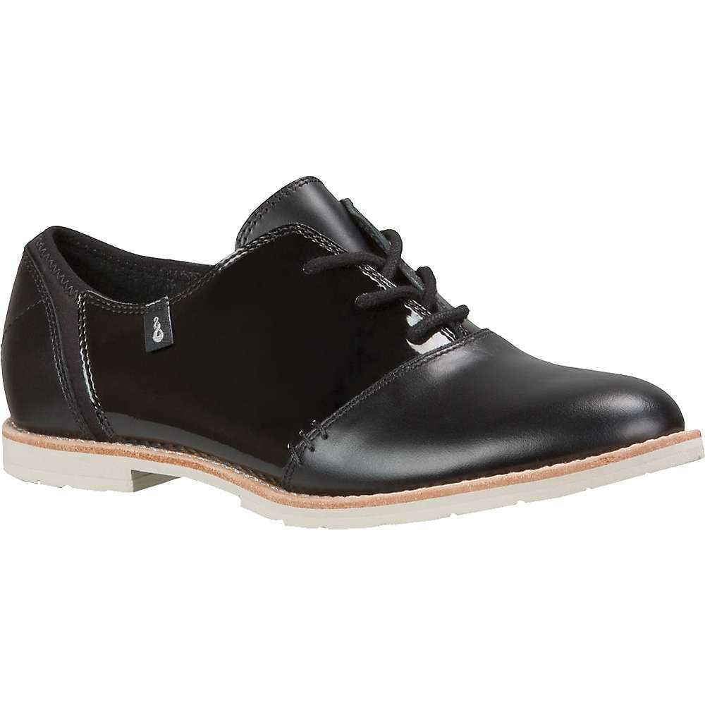 Image of Ahnu Women's Emery Patent Shoe - 6 - Black