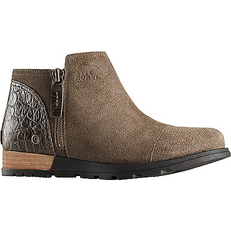 Sorel Women's Major Low Boot Major / Pebble Sorel Women's Major Low Boot - Major / Pebble - in stock now. FEATURES of the Sorel Women's Major Low Boot Upper: Oiled suede upper with croc embossed full grain heel Canvas lining Footbed: Removable molded EVA footbed with arch support, textile knit topcover Midsole: Molded rubber midsole with full length EVA insert for comfort Outsole: Molded rubber outsole; leather wrapped heel