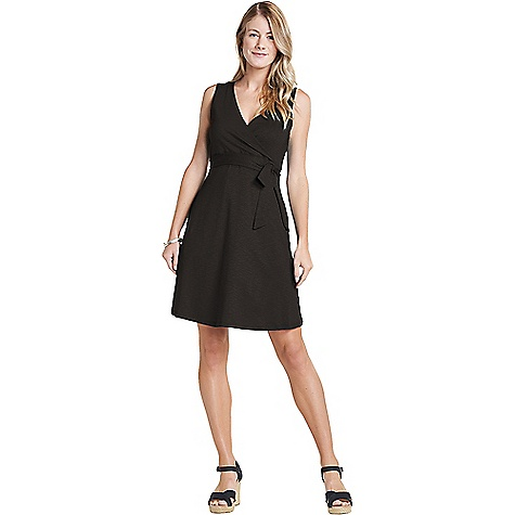 Toad & Co Women's Cue Wrap SL Dress Black Toad & Co Women's Cue Wrap SL Dress - Black - in stock now. FEATURES of the Toad & Co Women's Cue Wrap SL Dress Stretch movement OEKO-TEX 100 Crossover V-neckline Double layer front bodice Bra-friendly Tie at empire seam On-seam hand pockets A-line silhouette