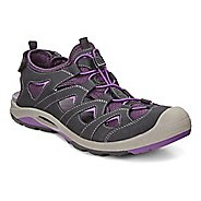 Womens Ecco BIOM Delta Offroad Casual Shoe - Black/Purple 36